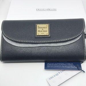 NWT- Dooney & Bourke Saffiano Wallet, Black